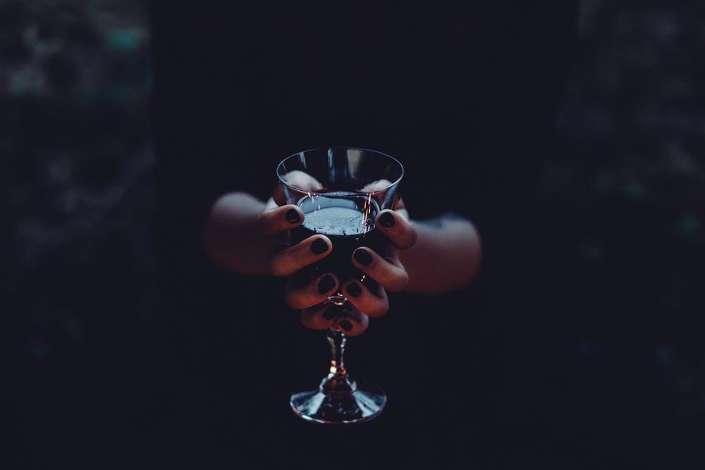 3 Ways Evangelicalism Promotes Addiction